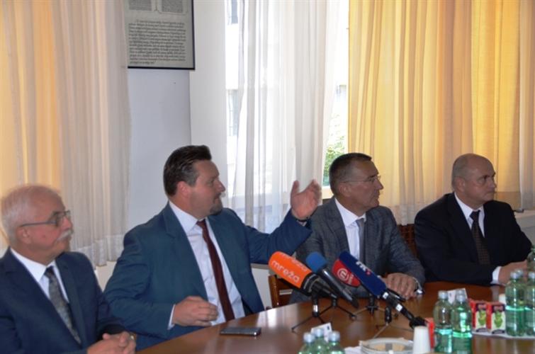 LokalnaHrvatska.hr  Zapoceta enegetska obnova bolnice na Firulama