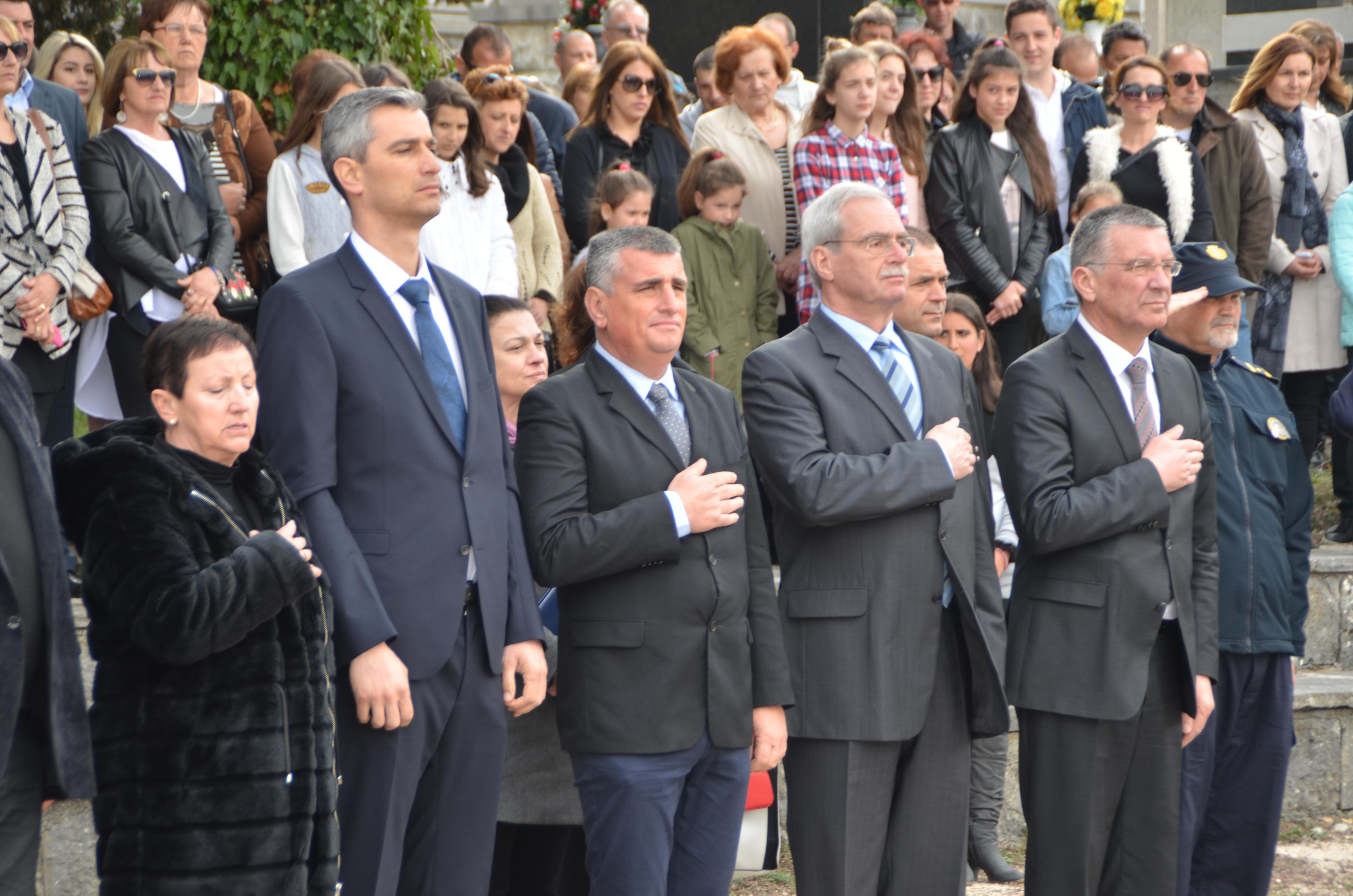 LokalnaHrvatska.hr Splitsko-dalmatinska županija Sveta misa i komemoracija u Docu Donjem